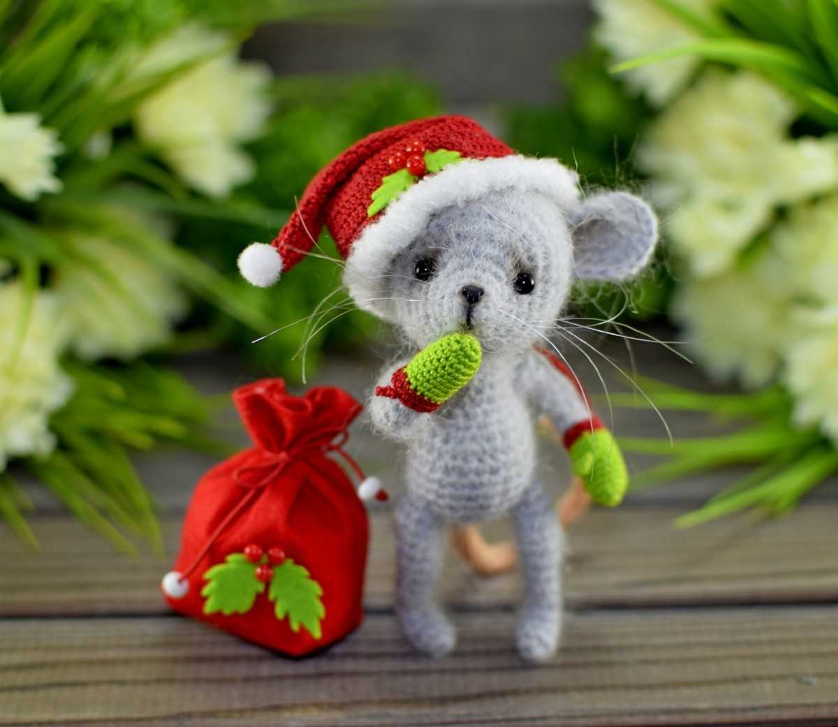 Новогодний мышонок
